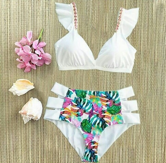 Carolin Bikini